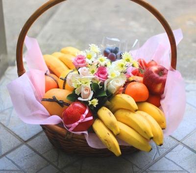 꽃과 과일바구니